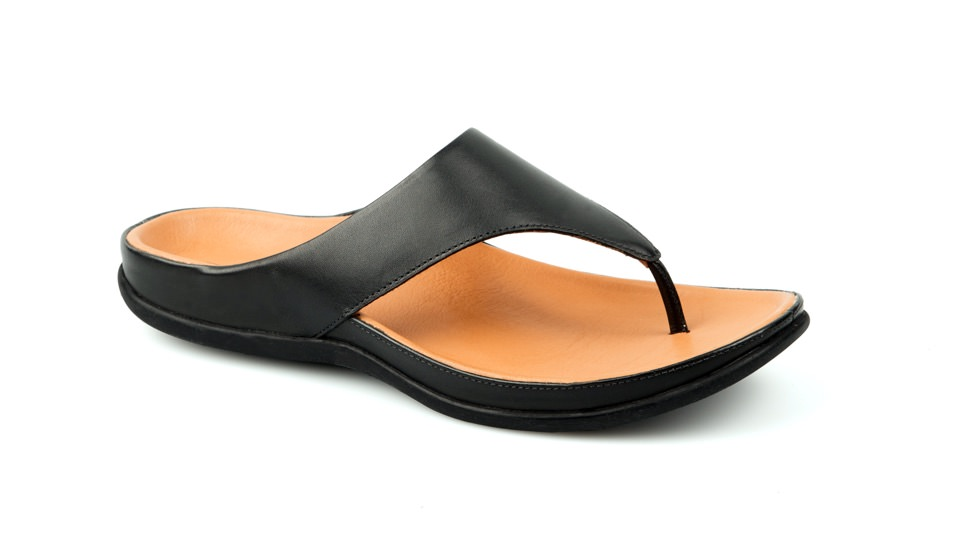 Maui Black Sandal. Able to be created with bespoke orthotic built-in by BxClinic and Strive Footwear.